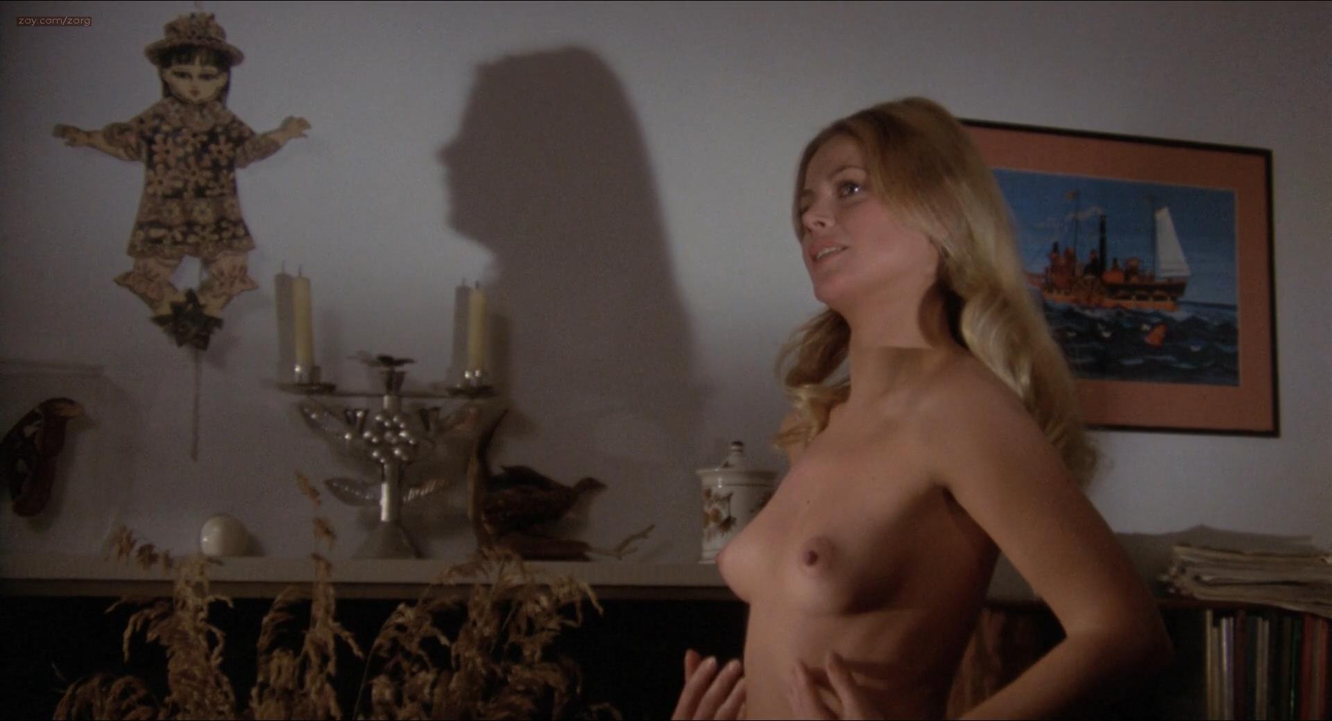 Paula zahn bikini
